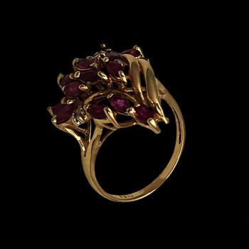 14k Yellow Gold Woman Ring...