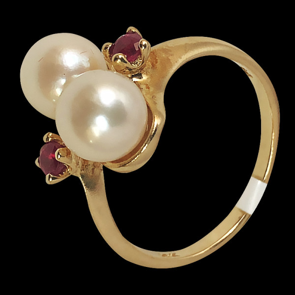 10k gold Fancy Ring with pearl