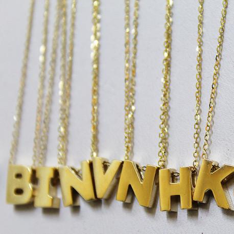 Cadena de Oro 14K con dije de Letra Personalizada